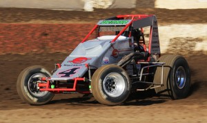 Damion Gardner on his way to winning Saturday's AMSOIL USAC-CRA Sprint Car Series feature at Perris Auto Speedway. (Doug Allen Photo)
