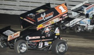 Sammy Swindell (1) won Friday night's preliminary feature during the 360 Nationals at Knoxville (Iowa) Raceway. (C.D. Nelson photo)