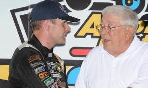Former Knoxville Raceway promoter Ralph Capitani (right) congratulates Capitani Classic winner Ian Madsen. (Frank Smith photo)
