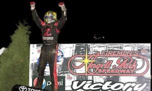 Tyler Courtney won Sunday's Badger Midget Series feature at Angell Park Speedway. (Jeff Arns photo)