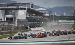 The Formula One field battles for position during the start of last year's Malaysian Grand Prix. (Steve Etherington Photo)