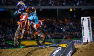Ryan Dungey earned his third consecutive win in Oakland. (Jeff Kardas photo)