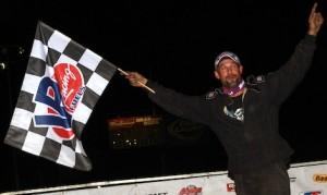 Ray Bollinger won Sunday's DIRTcar modified feature at Quincy Raceways. (Jim Denhamer photo)
