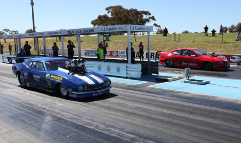 Zauch Lights Up Australian Christmas Tree Speed Sport