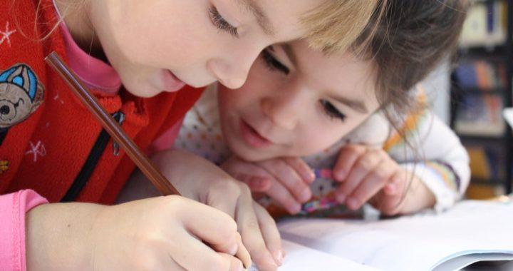 medium-kids-girl-pencil-drawing-159823