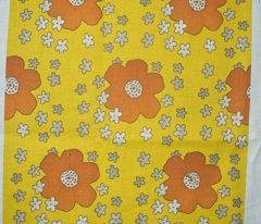 Rryellow_retro_flowers_comment_24401_preview