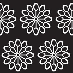CENTER FLOWER IN TEAL-BLACK