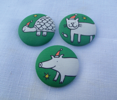 Christmas brooches green