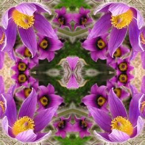 "Flower 18"" Square"