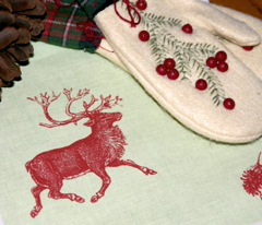 Rreindeer_n_pinecone_-_vibrant_red_n_green_comment_37580_preview