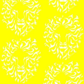 Kei Vahns  yellow lion print