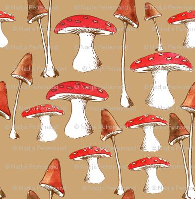 champignons_mignons_fond_beige_L