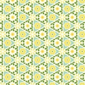 Cream Pyramid Floral - Victorian Lemon