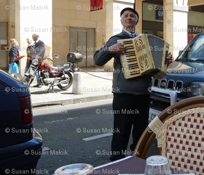 Accordian Player, Paris