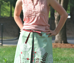 Flower skirt (dandelion) with a box pleat in the front