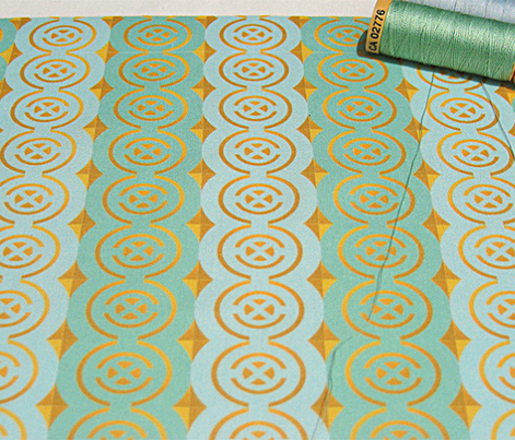 Gilded quadrants on mint + blue by Su_G