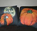 Rrhalloween_cushions_comment_120800_thumb