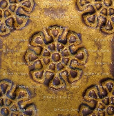 Gold/Brown Circle