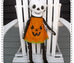 Pumpkin Skellie (Click to see sewn sample)