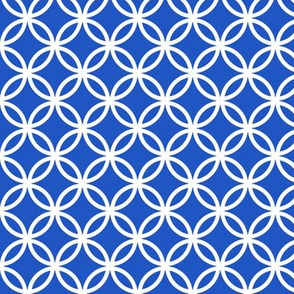 Chinese fretwork, circles, white on blue (limited palette) by Su_G