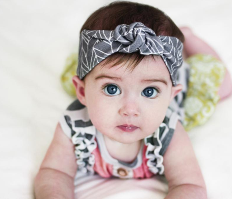 Featherland Gray/White