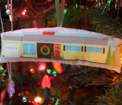 Memories of Home ornament (1950s ranch)
