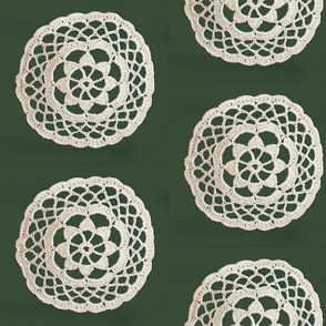 lace_circle_on_green_2
