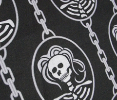 Rrhalloween_skeleton_cameo_-_2011_tara_crowley_comment_125746_preview