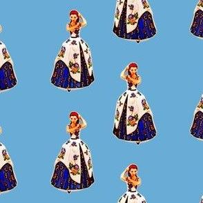 Belle_princess_statue_girl_combing_her_hair