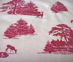 Evergreen toile with animals in wine