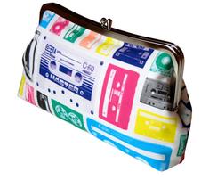 Cassettes-puzzlecolor300rgb_comment_151134_thumb
