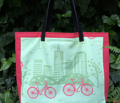 Rrcity_bikes_red_on_green_rev_color_comment_448660_thumb