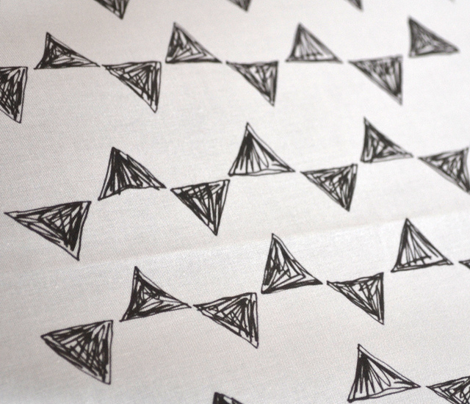 Rrblack_and_white_triangles_comment_285430_preview