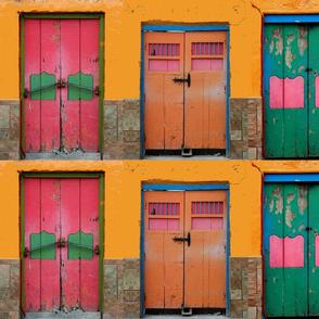 6 doors in Mexico