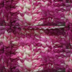 KNITTED_MAGENTA