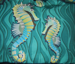 Rrseahorse_small_repeatrgb_comment_159002_preview