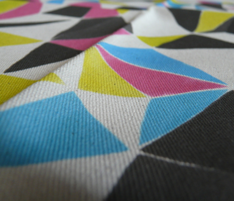 triangle FACETS - CMYK