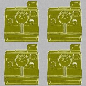 polaroid - olive