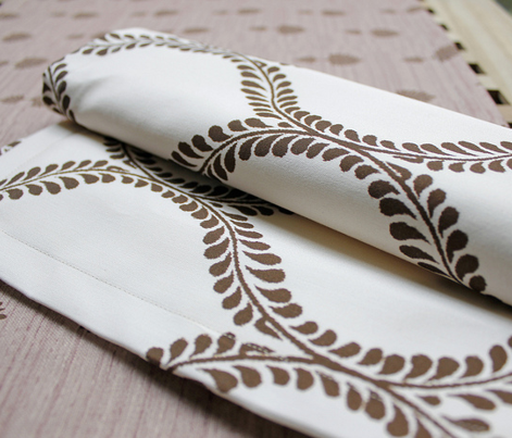 Chocolate_Leaves_ikat