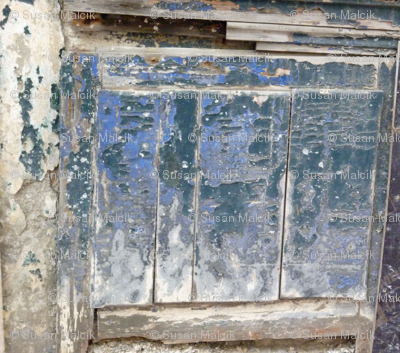 Old Blue - Wooden Wonder Wall