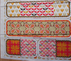 Retro play-kitchen accessories: oven gloves (CLICK HERE for yard view with tea towel, apron & pot stand)