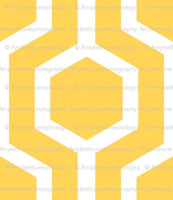 white lattice on gold