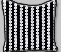 Pearl Chain in black