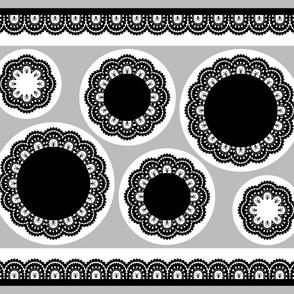 cut & sew Skull and Crossbones Lace Ruffles - Black on White