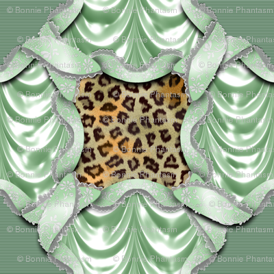 Leopards'n'Lace - Medaillon - Green
