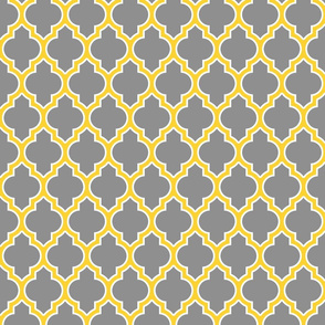 moroccan quatrefoil lattice in gold