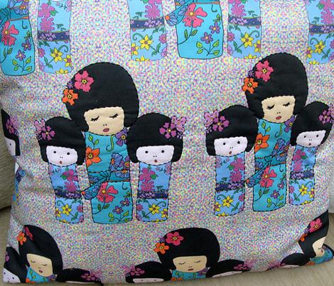 Dolls on minidots