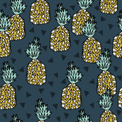 pineapple // summer exotic tropical fruit sweet pineapples
