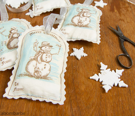 Winter Fun  - Old Fashioned Snowman Christmas Gift Tags