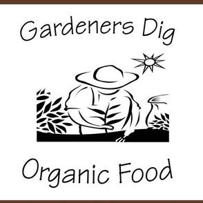 Gardeners Dig Organic Food